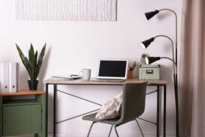 Schreibtisch Homeoffice Lampe Laptop